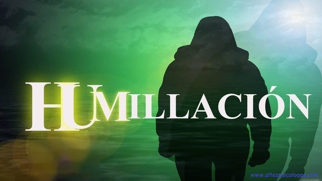 El trauma de humillación se genera por las experiencias (objetivas o subjetivas) de no haberse sentido vergüenza ante sus referentes paternos